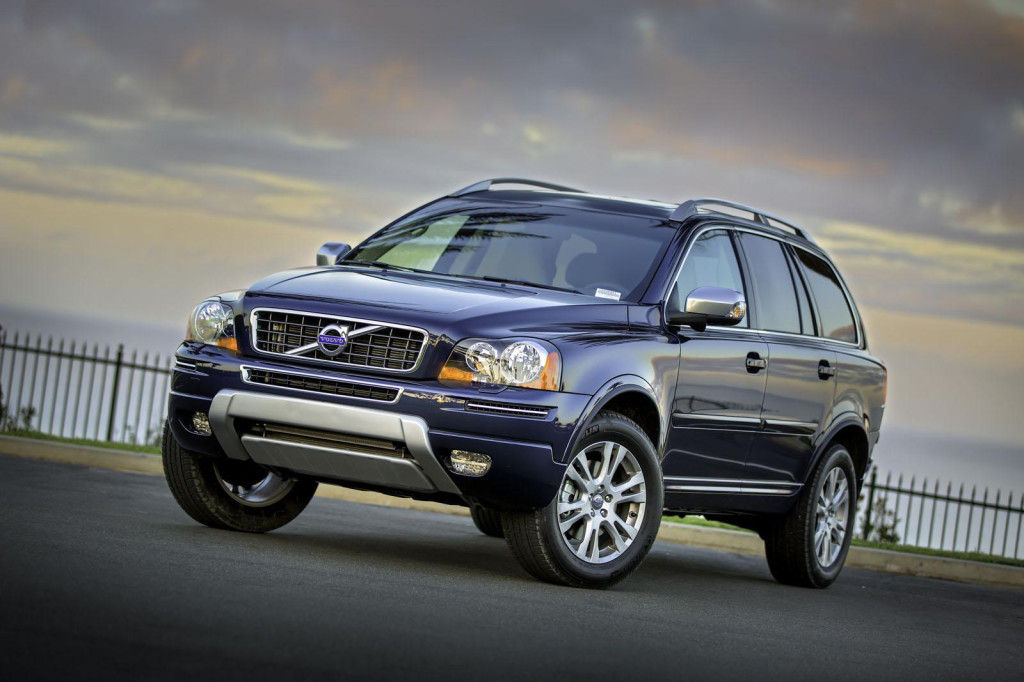 2013-Volvo-XC90-Front-Side