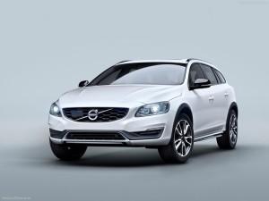 Volvo-V60_Cross_Country_2016_800x600_wallpaper_06