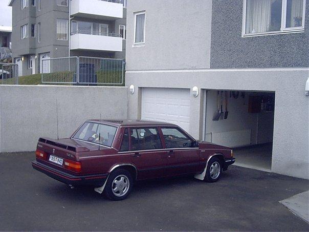 Heima í Gautavík Volvo 740 GL XG-842