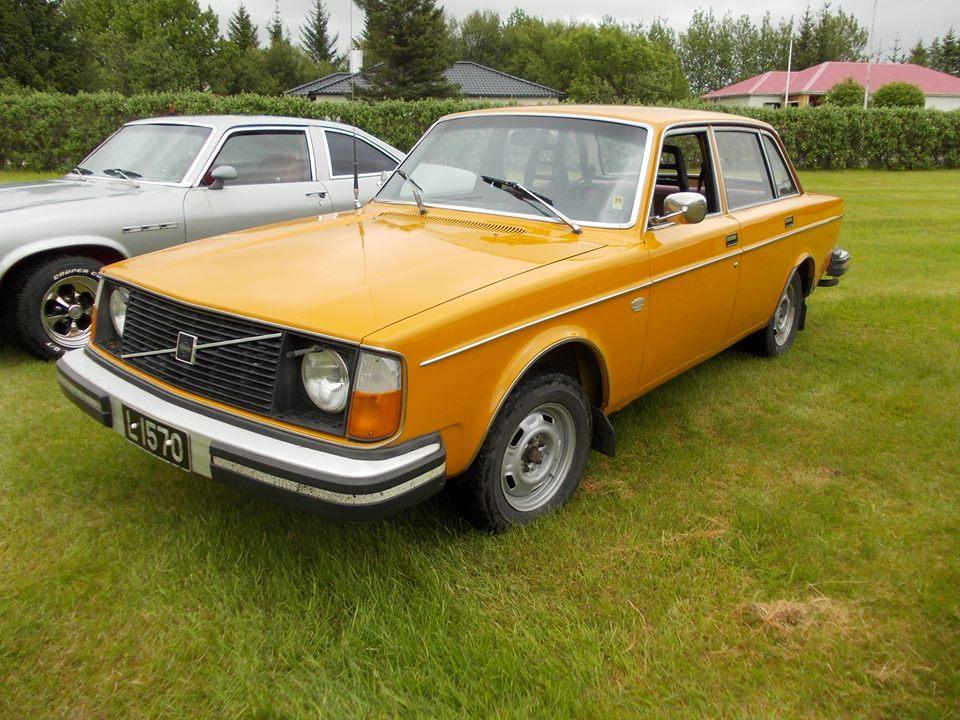 L-1570-Volvo244DL-1976